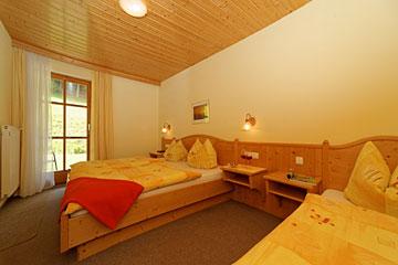 Schlafzimmer - Ferienwohnung Rotkehlchennest