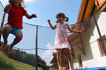 Trampolin - ein Spaß für Kinder